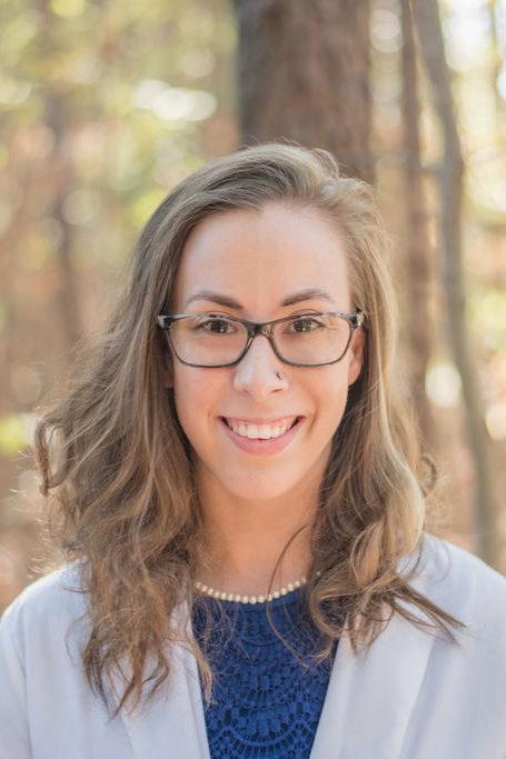 Dr. Lindsay Saunders